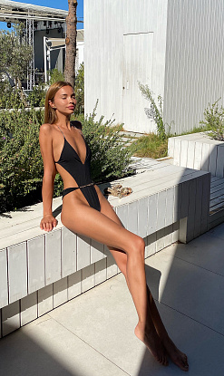 Купальник BEACH BUNNY Brooklyn One Piece Black